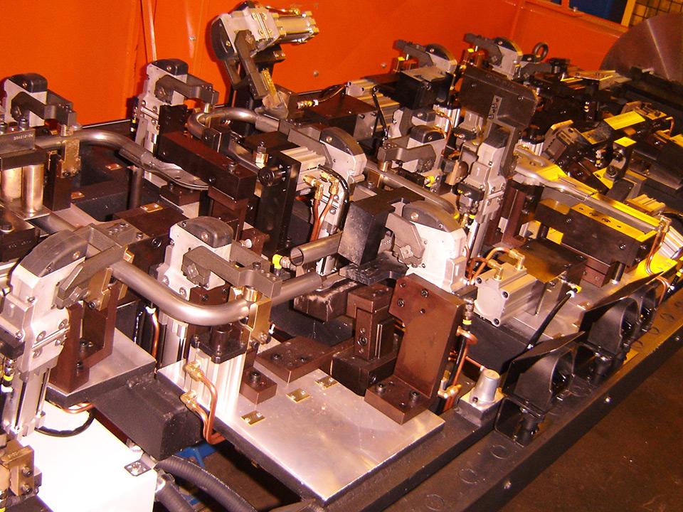 Robotic Gmaw Fixtures Stryver Manufacturing Inc
