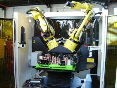 Compact Dual Robot Cell