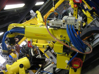 Thru Arm Cable Management to EOAT on Fanuc Robot